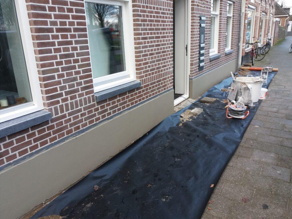 Aanbrengen spat plint in Zwolle